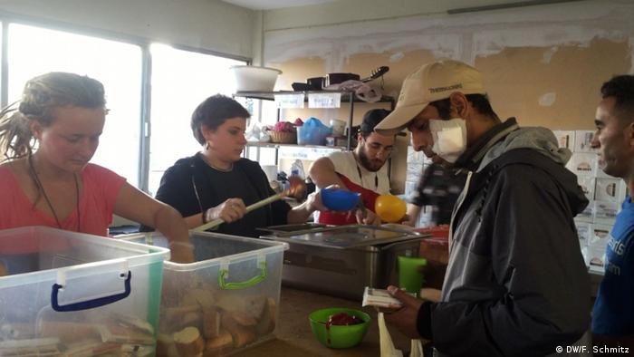 Griechenland Thessaloniki Flüchtlinge | warme Mahlzeit