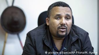 Äthiopien Addis Abeba Oppositionsführer Jawar Mohammed (picture-alliance/AP Photo/M. Ayene)