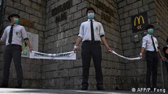 China Hongkong Proteste Studenten bilden Menschenkette