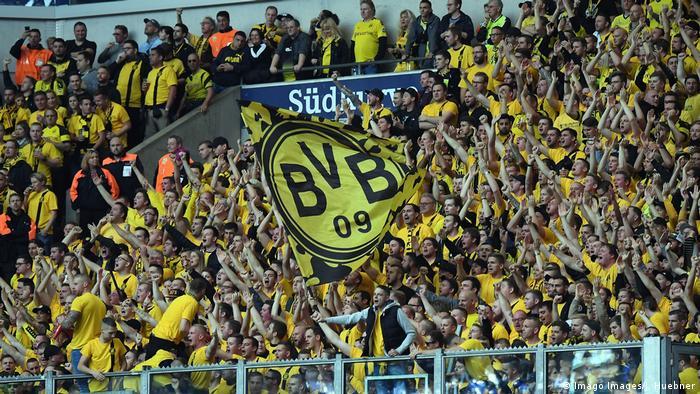Fußball Bundesliga Schalke 04 v Borussia Dortmund (Imago Images/J. Huebner)