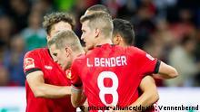 Fußball Bundesliga Bayer Leverkusen - Werder Bremen Tor Sven Bender (2.v.l.)
