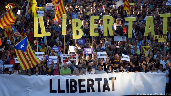 Spanien | Proteste in Barcelona (Getty Images/AFP/L. Gene)