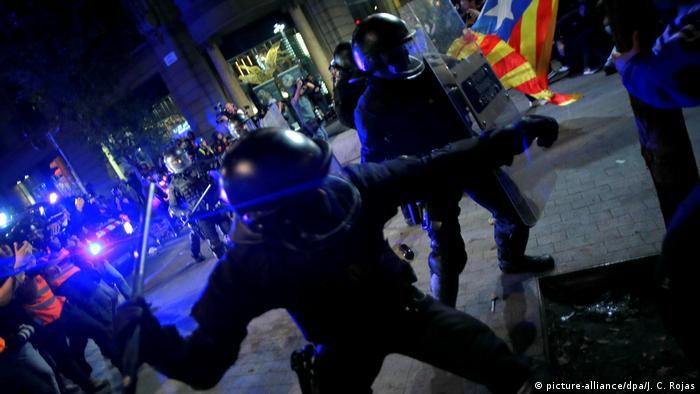 Spanien | Proteste in Barcelona (picture-alliance/dpa/J. C. Rojas)