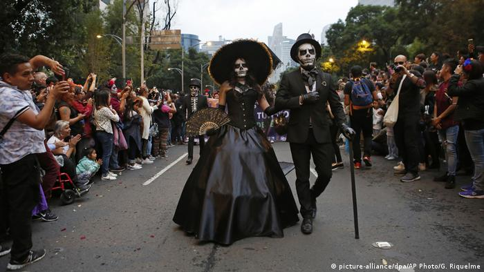 Mexiko | Day of the Dead (picture-alliance/dpa/AP Photo/G. Riquelme)