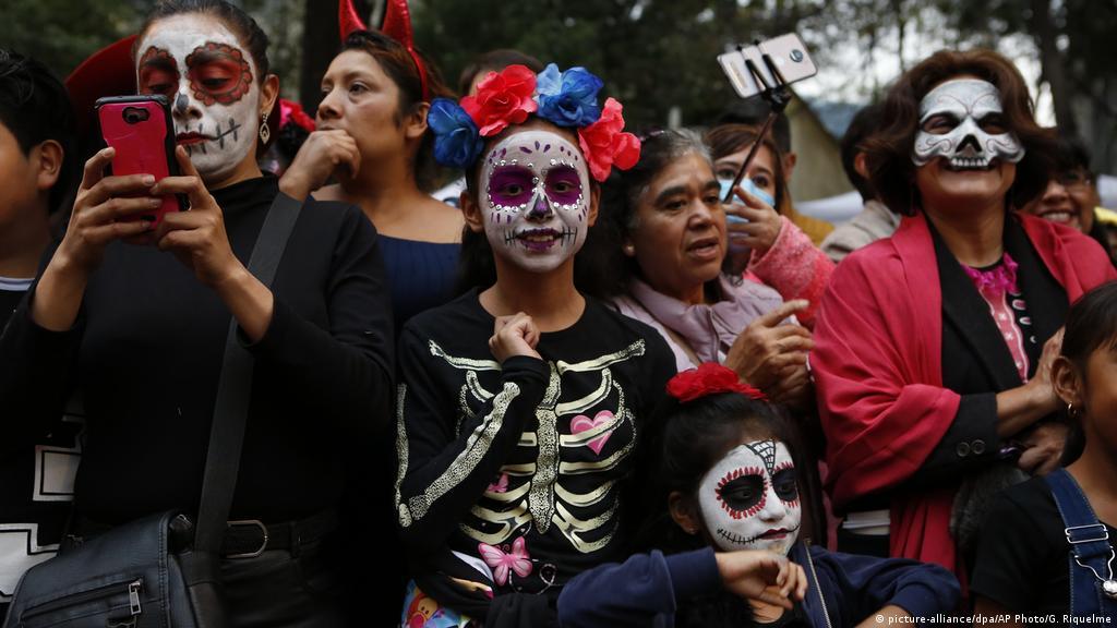 Las Huesudas Catrinas Llegan A México Para Recibir A Los