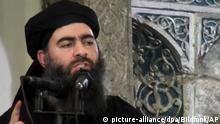 ARCHIV - HANDOUT - Das undatierte Videostil zeigt den Anführer der IS-Terrormiliz Abu Bakr al-Bagdadi. Der Screenshot stammt von einem Video das am 05.07.2014 auf der Homepage einer militanten Organisation hochgeladen wurde. (zu Neue Spekulationen über Tod von IS-Anführer Al-Bagdadi vom 12.07.2017; ACHTUNG:Verwendung nur zu redaktionellen Zwecken. Bestmögliche Qualität. Foto: -/AP/dpa +++(c) dpa - Bildfunk+++ | Verwendung weltweit