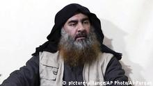 IS-Chef Abu Bakr al-Bagdadi (picture-alliance/AP Photo/Al-Furqan)