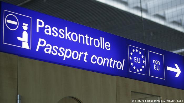 Deutschland Passkontrolle am Flughafen Münster-Osnabrück