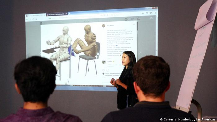 Yuli Marena Marulanda Ocampo, de Colombia, creó un sistema para aprender a escribir con los pies para personas que nacen o pierden sus brazos.