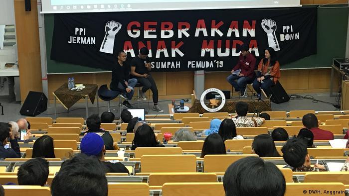 Deutschland Diskussion Sumpah Pemuda in Bonn (DW/H. Anggraini)