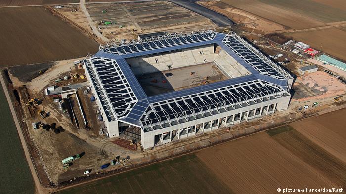 Solaranlage auf Coface-Arena (picture-alliance/dpa/Rath)