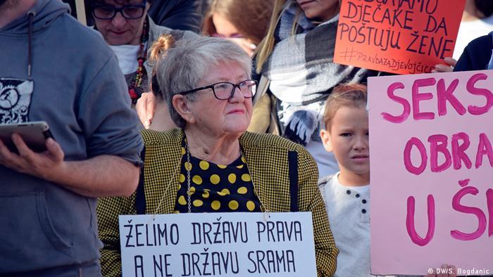 Frauenproteste in Zagreb Gerechtigkeit für Mädchen