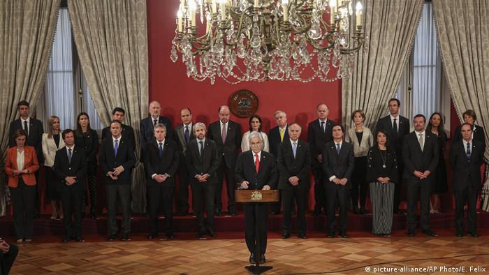 Sebastián Piñera, presidente de Chile, presenta a su nuevo equipo, este 28 de octubre de 2019