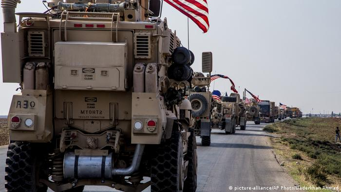 US military convoy near the Syrian city of Qamishli (picture-alliance/AP Photo/Baderkhan Ahmad)