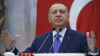 Türkei Rede von Präsident Erdogan während einer Zeremonie in Istanbul. (picture-alliance/dpa/Turkish Presidential Press Service)