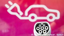 Deutsche skeptisch bei elektrisch und autonom fahrenden Autos