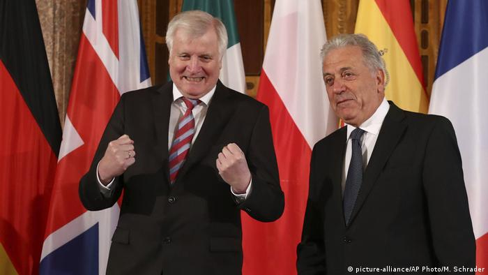 هورست زیهوفر و کمیسار مهاجران اتحادیه اروپا