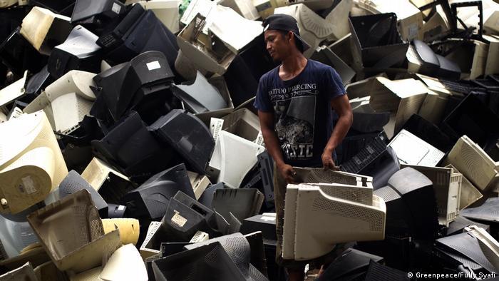 E-waste dumped inJombava, East Java