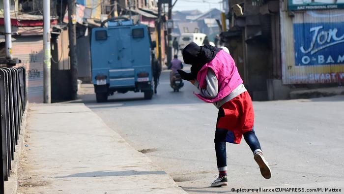 Protests erupt in Srinagar as delegation of EU Members of Parliament travels to Kashmir