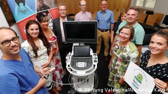 Фонд передал клинике в Ульме мобильный аппарат для химиотерапии