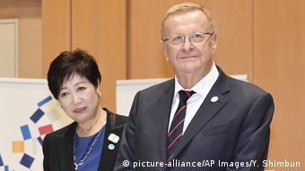 科茨与东京市长 (2019资料图)