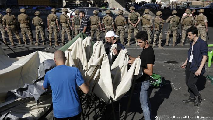 Protesters end road blocks in Lebanon