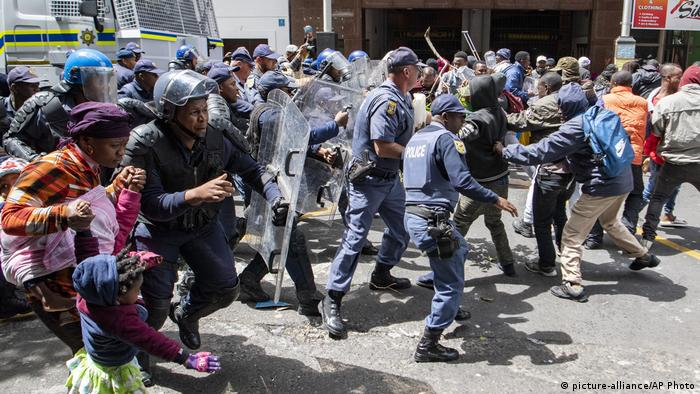 Police in South Africa quell violence