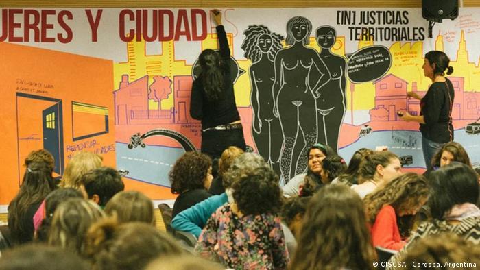 Organizaciones femeninas de América Latina, como CISCSA trabajan por un urbanismo con perspectiva de género, que permitan a la mujer ejercer su derecho a la ciudad.