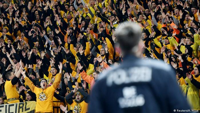 Hertha BSC v Dynamo Dresden Fans (Reuters/A. Hilse)