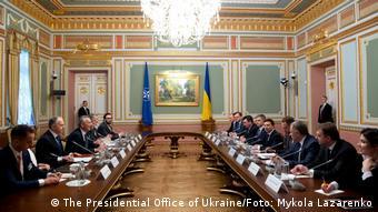 На переговорах делегации Североатлантического совета с руководством Украины, 31 октября