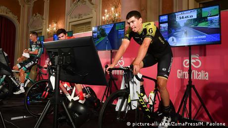 Zwift Radsportvideospiel (picture-alliance/ZumaPress/M. Paolone)