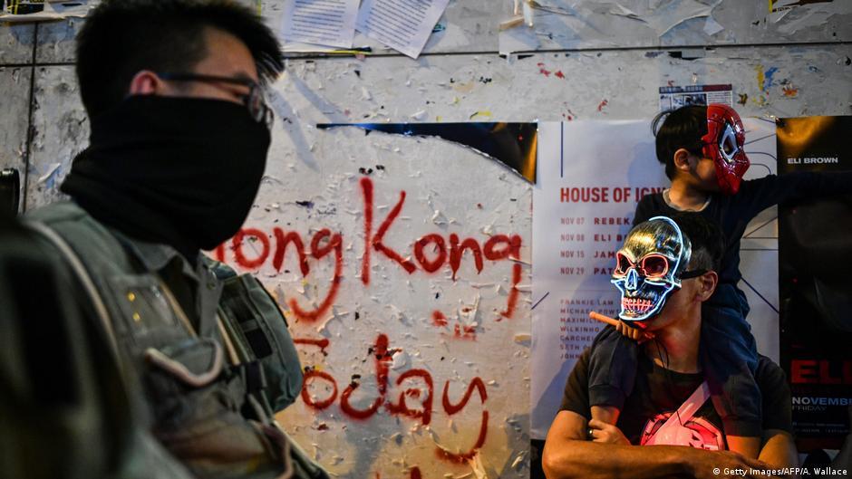 Hongkong: Richter verbieten Aufrufe zu Gewalt im Internet | DW | 31.10.2019