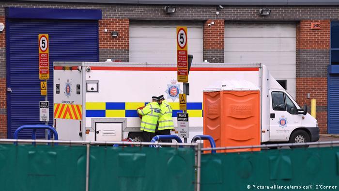 Leichen im LKW-Container gefunden