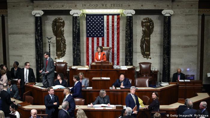 Processo de impeachment contra Trump avança na Câmara