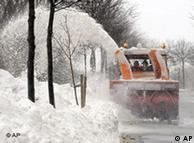 Зима-2010:  снег да снег кругом...