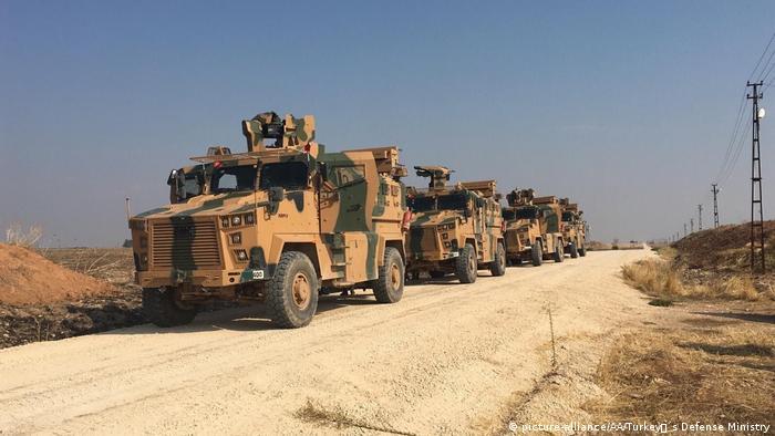 Tropas rusas y turcas patrullan el norte de Siria.