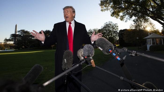 Дональд Трамп заявив, що Борис Джонсон має об'єднатися Найджелом Фараджем на виборах