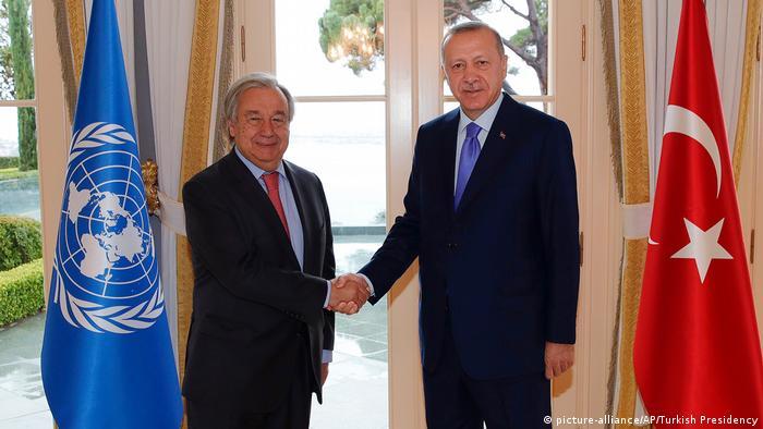 Генсек ООН Антоніу Гутерріш (л) та президент Туреччини Реджеп Таїп Ердоган