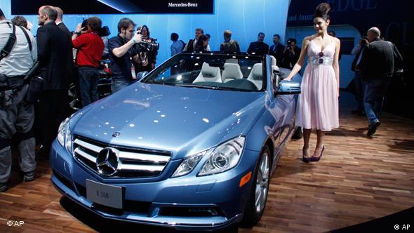 На автосалон в Детройте Daimler привез кабриолет на базе E-класса