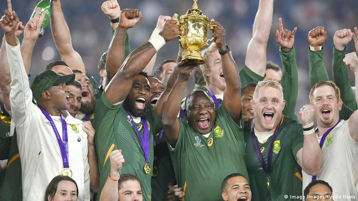 Japon |  L'Afrique du Sud remporte la Coupe du monde de rugy contre l'Angleterre