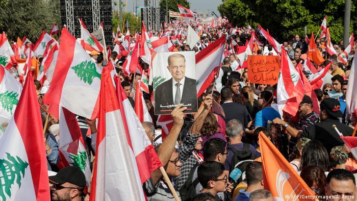 Libanon   Protest von Anhängern von Präsident Michel Aoun