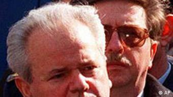 Nikola Sainovic - der Mann im Hintergrund