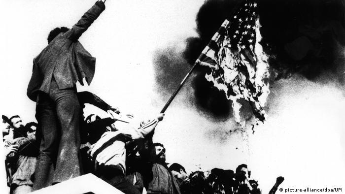 Studenten stürmen US-Botschaft in Teheran 1979