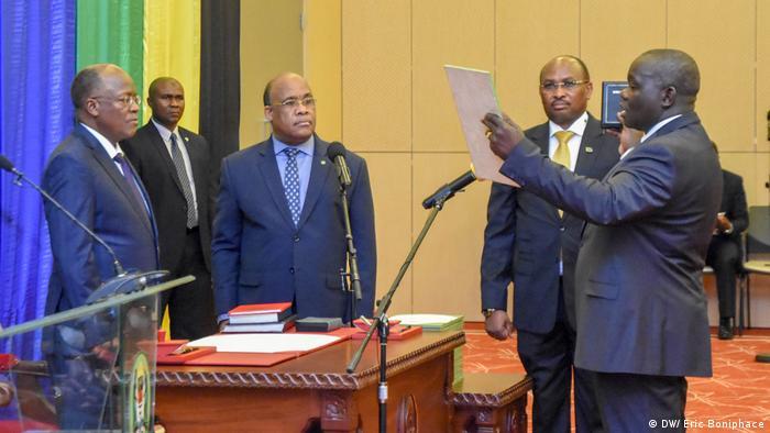 Tansania Dar es Salaam Vereidigung Controller Auditor General CAG