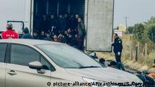 Griechenland Migranten aus Kühllaster befreit