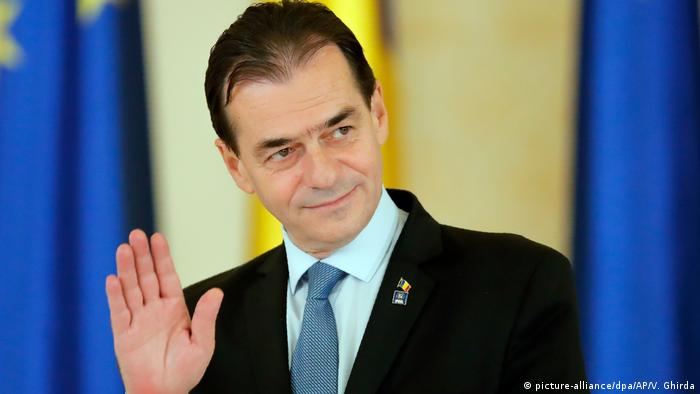 Ousted Romanian Prime Minister Ludovic Orban (picture-alliance/dpa/AP/V. Ghirda)