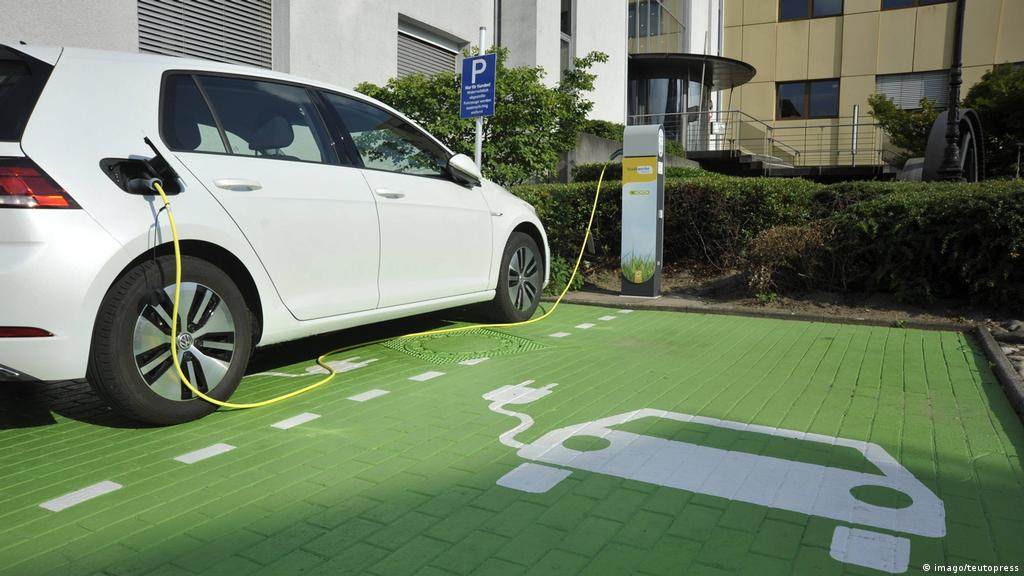 German Government Expands Subsidies For Electric Cars News Dw 05 11 2019
