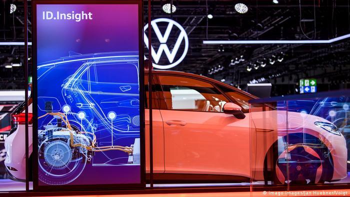 Symbol stacji ładowania samochodu elektrycznego VW