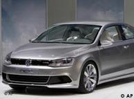 Volkswagen memperkenalkan prototype Coupe hibrida di Detroit Motor Show.