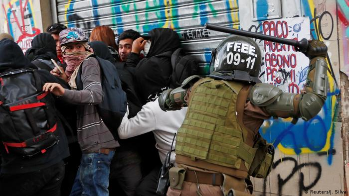 Las protestas en Chile a favor de una mayor equidad han sido respondidas con violencia.